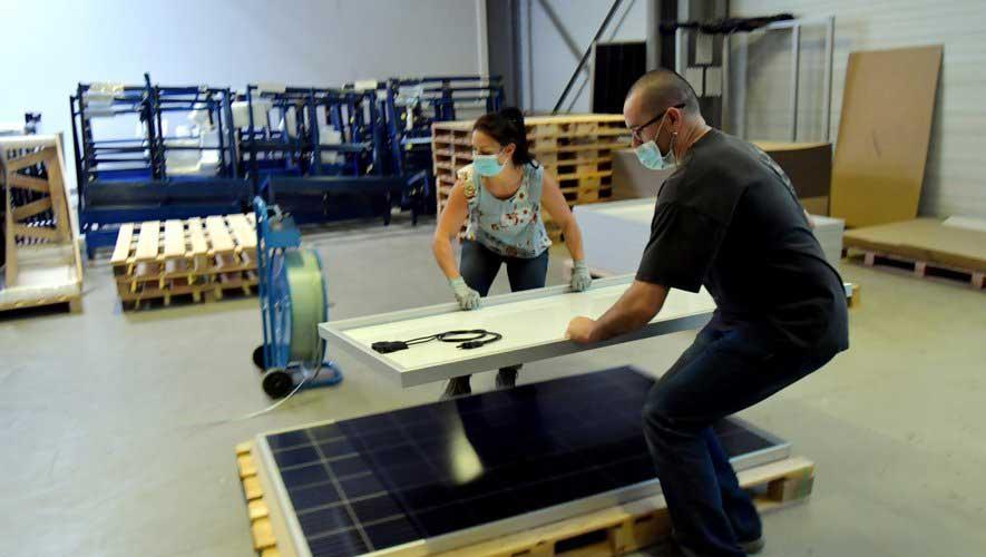 les panneaux photovoltaïques de Reden Solar à l'assaut des lacs collinaires