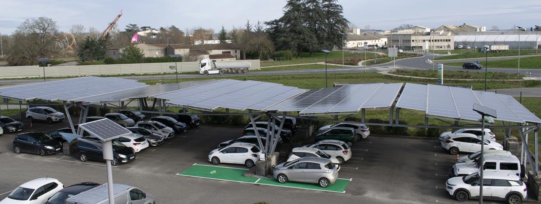 ombriere-photovoltaique-reden-et-borne-de-recharge-pour-vehicule-electrique